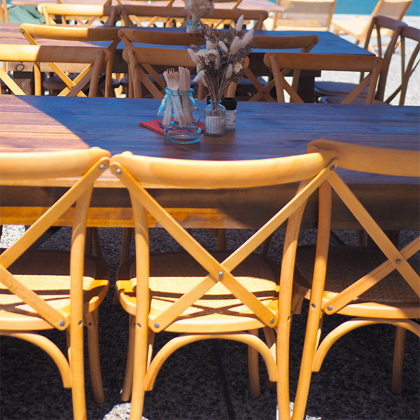 Chaises Napoli et table Athènes