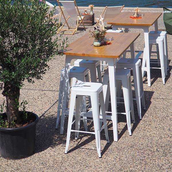 Tabourets San Francisco et table Porto