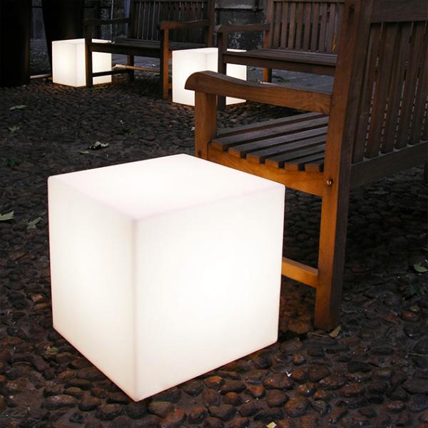 Cube lumneux design